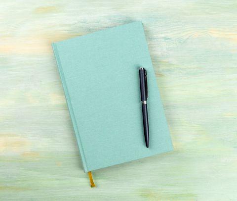 Diario con penna poggiata sopra | Daflon® 500