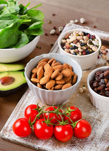 Avocado, spinaci, mandorle, legumi, uva passa | Daflon® 500
